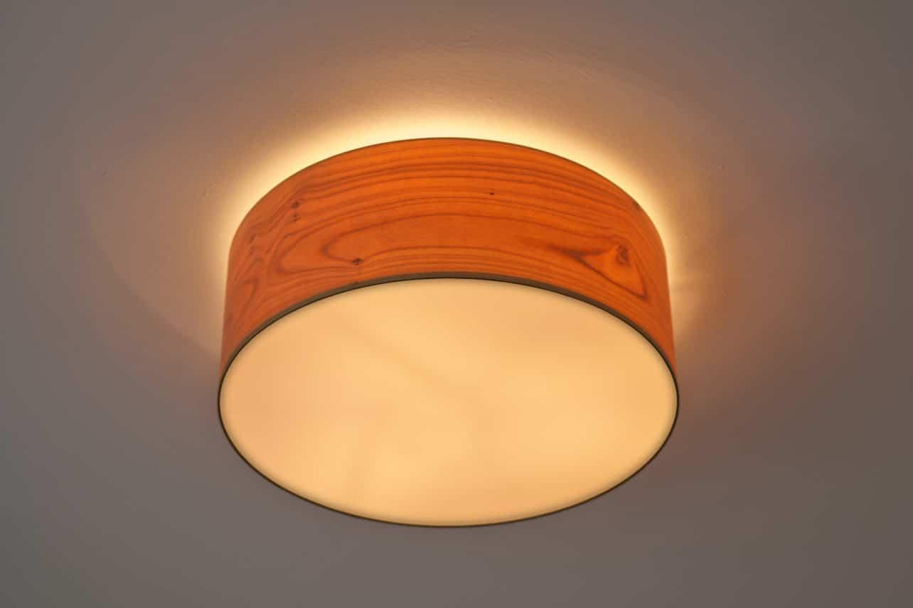 Deckenlampe Discus mit Lampenschirm aus Echtholzfurnier
