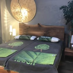 Schlafzimmer, Betten, Kommode